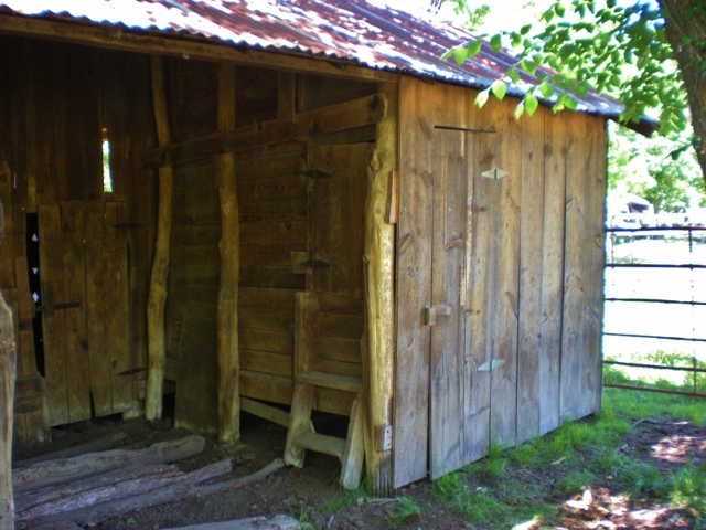 1880 Barn Chicken Coop - Taylor-Made Ranch