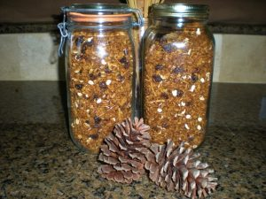 Here's a list of homemade Christmas ideas. Don't wait - get started NOW for a homemade Christmas you and your family will LOVE! Homemade Pumpkin Granola #TexasHomesteader