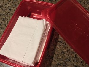 Paper Napkins In A Paperless Kitchen?? Oh yeah, it's easily possible y'all. Come check out this handy Homestead Hack! #TexasHomesteader