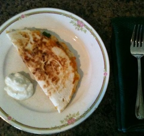 Company's coming - a quick lunch. Put together delicious spinach quesadillas in minutes. #TexasHomesteader