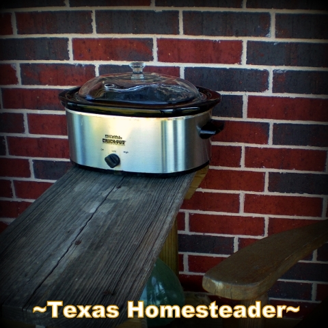 Slow cooker outside. A few tricks to summer cooking without adding extra heat & humidity to our living area. Solar cooking, slow cooker, grilling and MORE! #TexasHomesteader