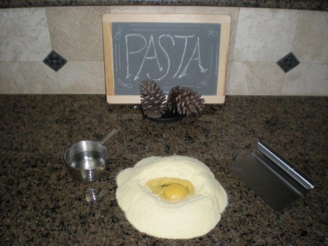 Here is an easy homemade pasta recipe. Make your own egg noodles using flour, eggs, salt & water. Add dried spices to the dough if you like for a new flavor sensation. #TexasHomesteader