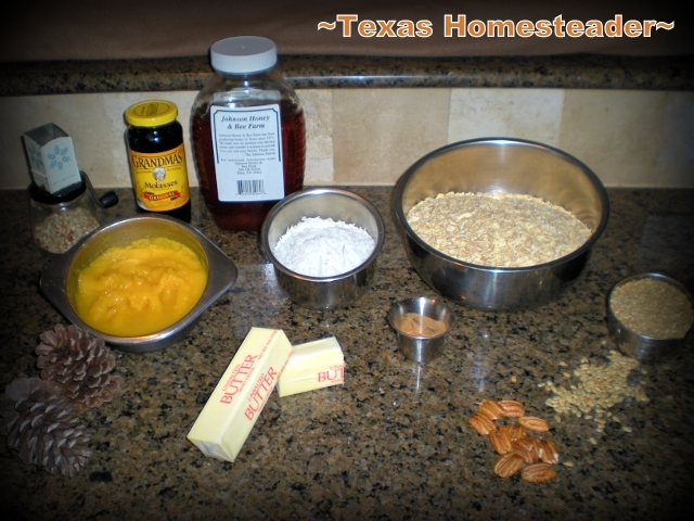 Pumpkin granola simple ingredients. A more natural cereal option than the boxes on the store shelves. This Pumpkin Granola Is Inexpensive, Delicious & SO EASY To Make!! #TexasHomesteader