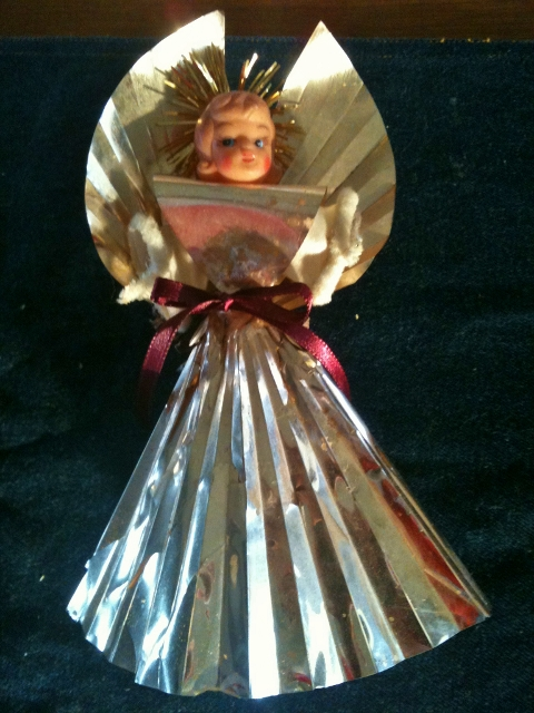 Vintage angel Christmas tree topper. Some families are stressing over not being able to 'provide Christmas' for their children, assuming that Christmas comes from a store #TexasHomesteader