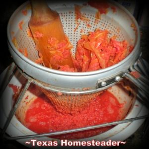 I found a great deal on fresh tomatoes & decided I would make them into tomato sauce, something I use quite a bit in my kitchen. EASY! #TexasHomesteader
