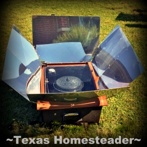 Pumpkin Puree, goodness from the garden! I have a secret weapon for keeping that cooking heat outside, even while cooking! My SOLAR OVEN! #TexasHomesteader