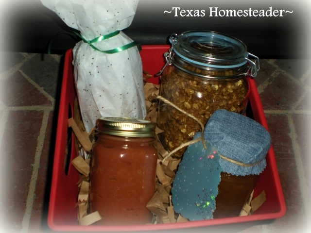 Food gift baskets. Here's a list of homemade Christmas gift ideas. Don't wait - get started NOW for a homemade Christmas you and your family will LOVE! #TexasHomesteader