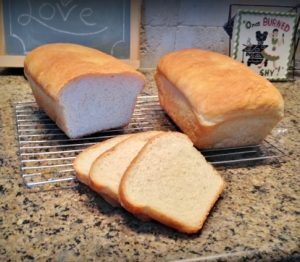 Homemade Sandwich Bread Recipe. Today I'm sharing with you the TOP 10 Homesteading Posts of the Year! Curious to see the most popular posts? #TexasHomesteader