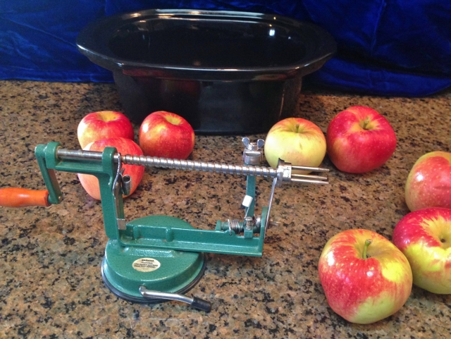 Apple Peeler/Corer/Slicer. After finding a great deal on apples I dehydrated them into soft chewy chunks. Good for me, good for my wallet & good for the environment! #TexasHomesteader