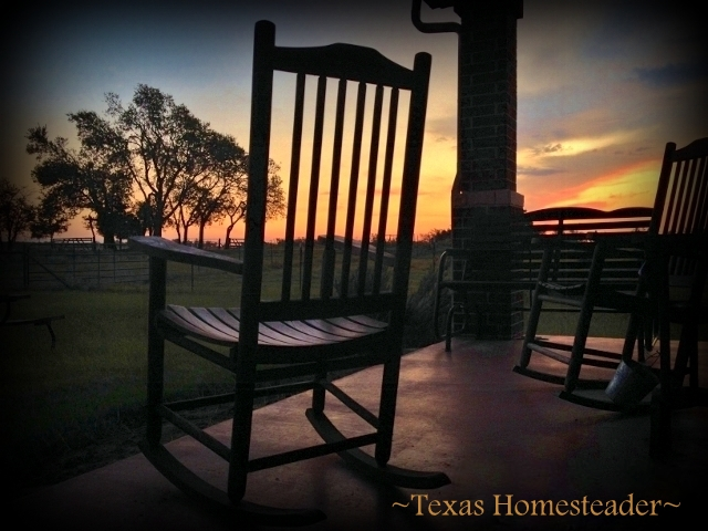 The sunrise signals a brand new day, a brand new chance to make a difference. Here at the ranch, there are SUNRISES FOREVER! #TexasHomesteader