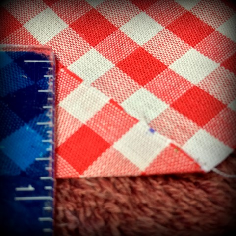 Simplifying sewing corners of the seams. Sewing a small tablecloth into napkins. #TexasHomesteader