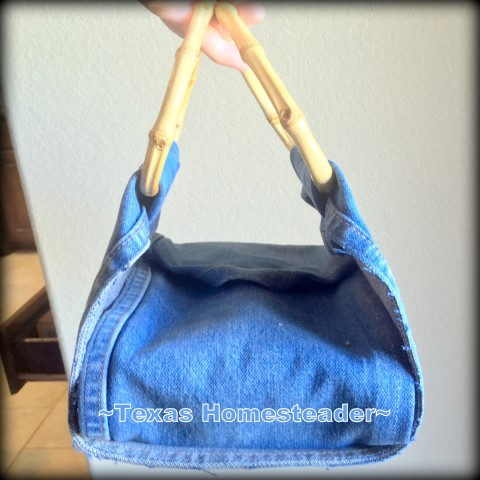 Dish carrier made with repurposed denim and bamboo d-shaped handles to hold restaurant leftovers. #TexasHomesteader