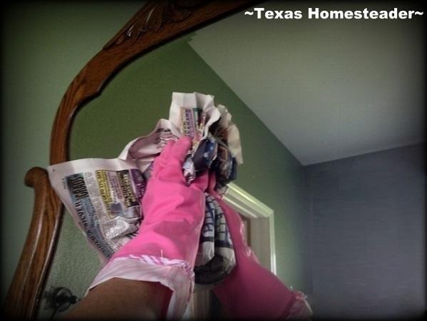 The secret to getting clean, streak-free windows & mirrors. So simple! #TexasHomesteader